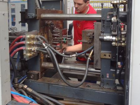 Afbeelding: Injection moulding via gas injection (2)