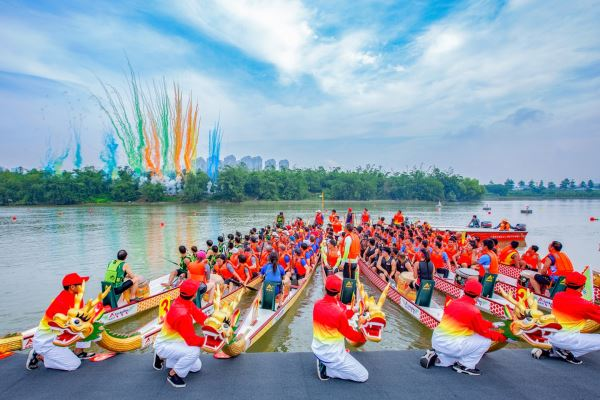 Afbeelding: dragon_boat_festival.jpg.1440x960_q100_crop-scale_upscale